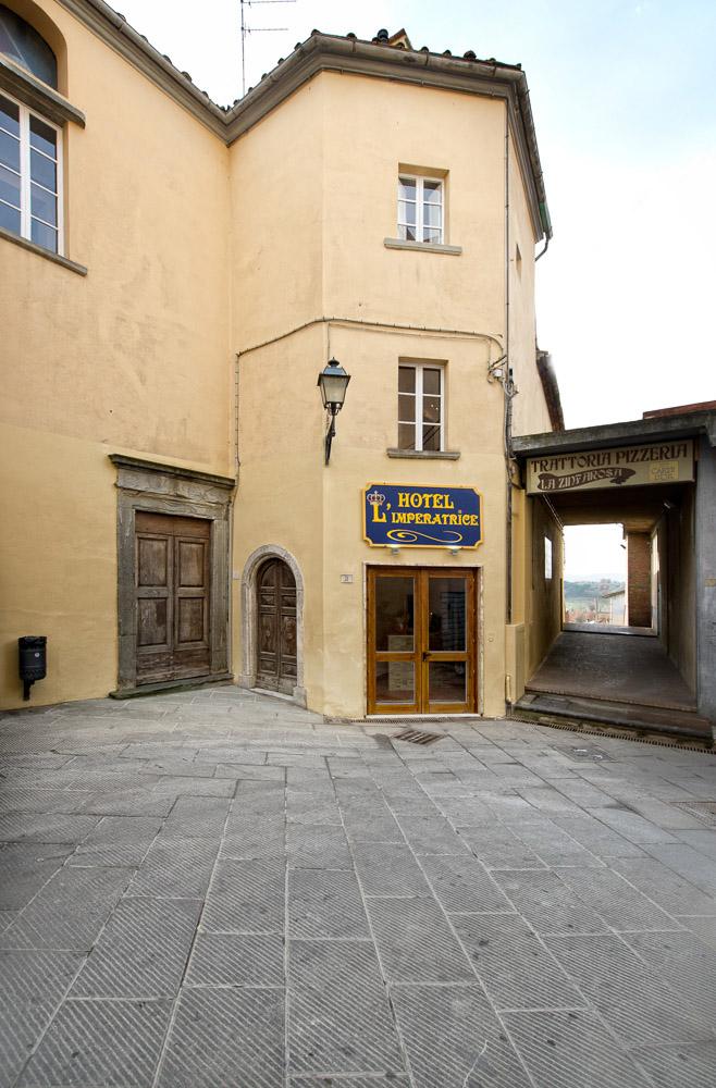 hotel-limperatrice-foiano-della-chiana-esterno